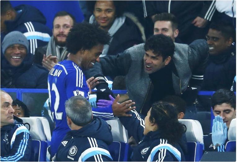 Costa kiszurkolta, szerintem még a nézők között is izzadt