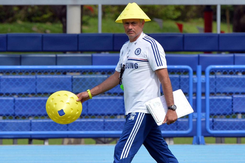 jose-mourinho-chelsea-training-session